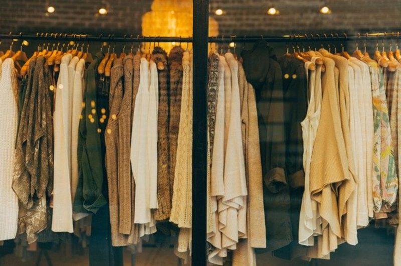 Zawsze modna bluzka z falbaną
